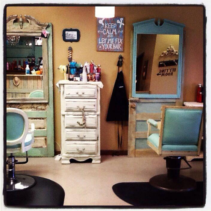 Love My Salon Chairs Bella La Vita Salon Covington Tn 38019 Shabby Chic Salon Shabby Chic Interiors Shabby Chic Colors