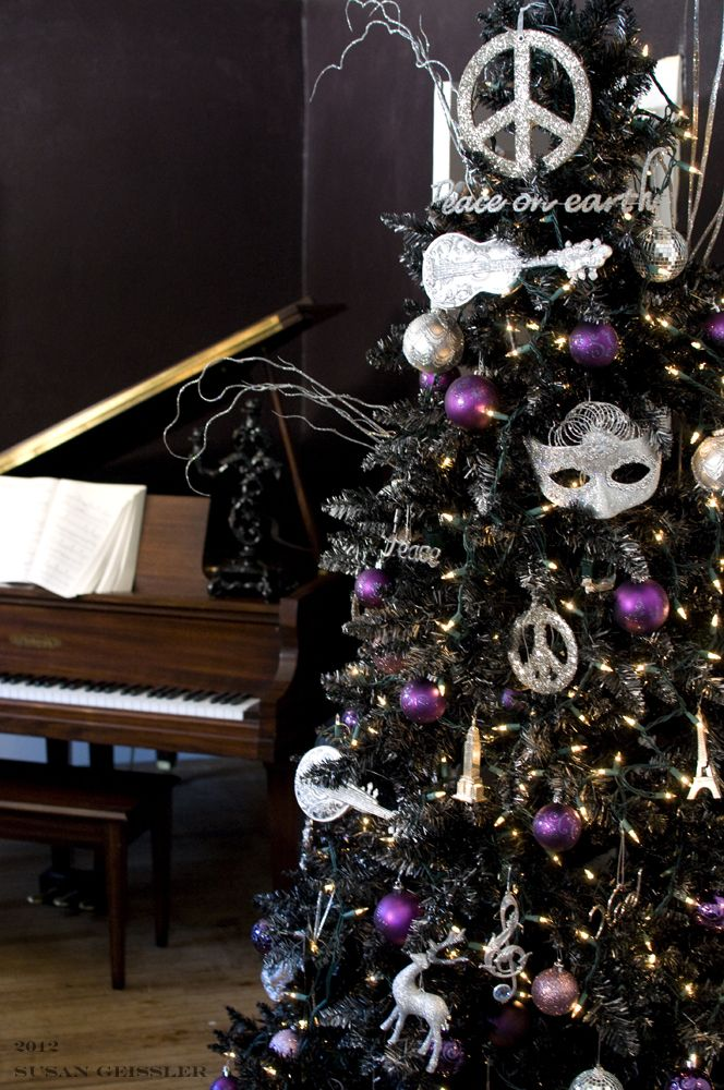 My Diy Black Christmas Tree I Made For The Home With The 3 P S Paint Prosecco Patience Step By Black Xmas Tree Purple Christmas Tree Black Christmas Trees
