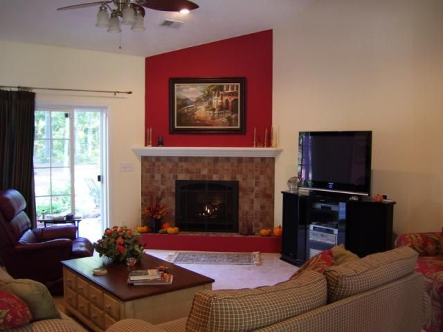 Corner fireplace furniture arrangement home decor ideas for Tv room arrangements