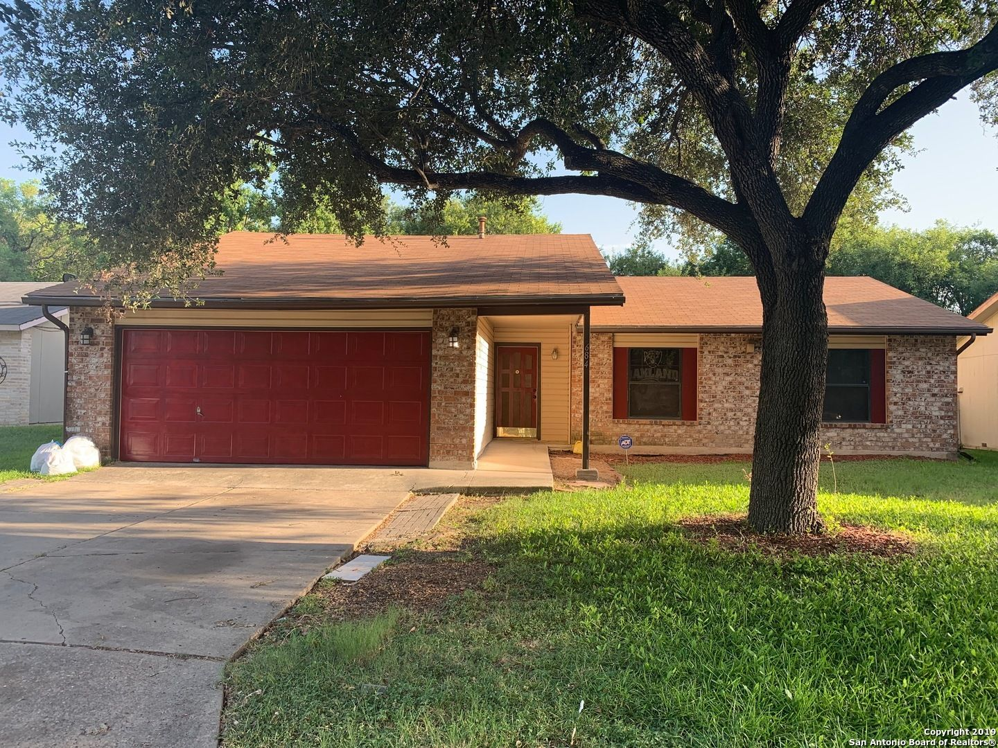 Rent To Own This Home Sanantonio Tx 78239 4 Beds 2 Baths 1446 Sq Ft 1 450 Month Spacious 4 B Rent To Own Homes Ranch Style Homes Renting A House