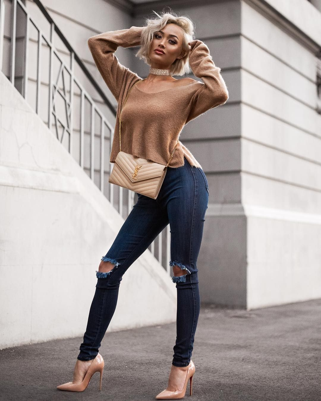 Girls in tights, leggings, yoga pants, latex, tight dress ...