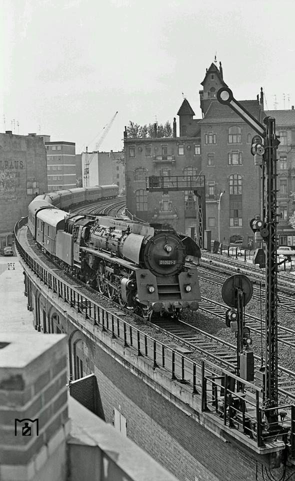 Pin By Gabriella Rader On Berlin Old Trains Train Train Engines