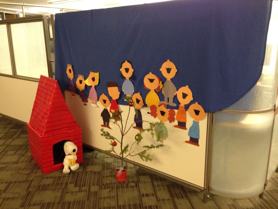 Peanuts christmas cubicle decorating idea x mas for Cubicle decoration xmas