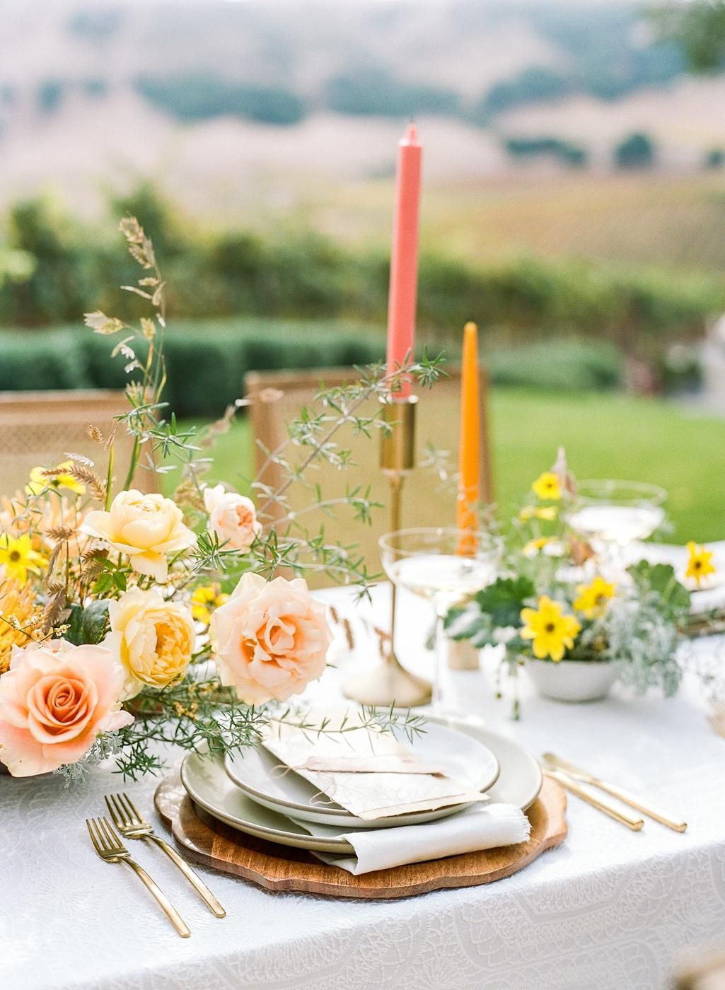 A Sunset Inspired California Inspiration Shoot That Will Steal Your Heart In 2020 Inspiration Wedding Centerpieces Wedding Flowers