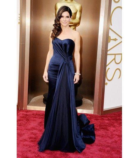 Sandra Bullock - Academy Awards 2014    Alexander McQueen gown; Fred Leighton jewelry.