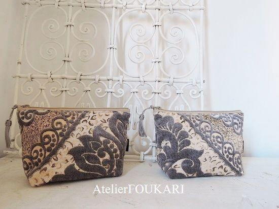 モロッコアラベスク柄ファブリックの化粧ポーチ・アラベスクレース・グレー - モロッコ雑貨とモロッコファッション Atelier FOUKARI
