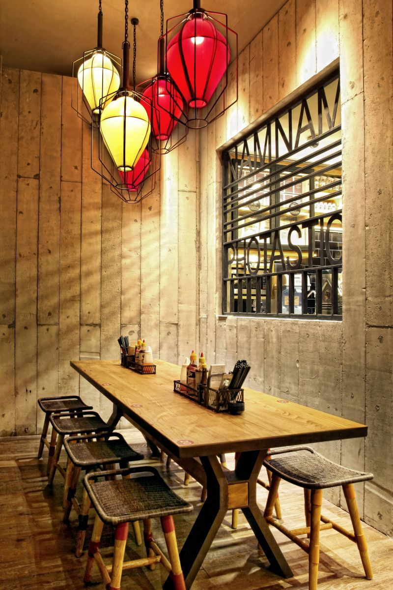 Namnam Noodle Bar By Metaphor Interior Jakarta Restaurant Interior Restaurant Decor Bistro Interior