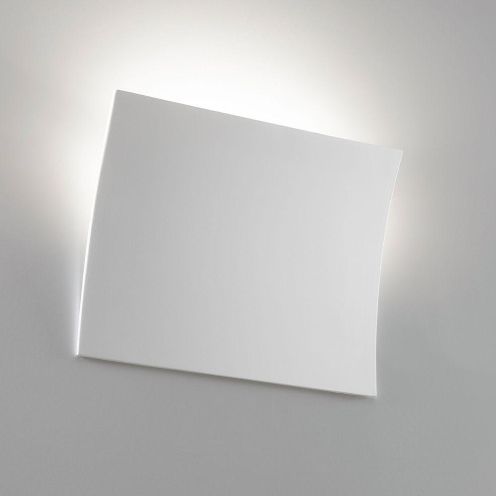 Flache Wandleuchte Aus Weisser Keramik Wandleuchte Mit Blende In Rechteckiger Gebogener Form Lichtaustritt Nac Wandleuchte Indirekte Beleuchtung Weisse Keramik