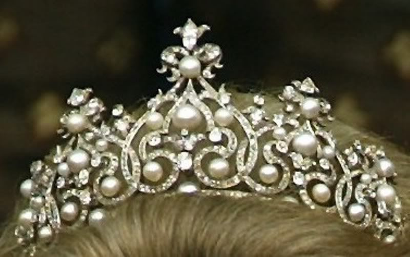 pearl the minus on tiara pear pearls a smaller top of version pin shaped