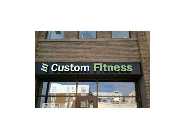 Custom Fitness Gym Close To Track 29 City Apartments In Downtown Minneapolis Track 29 City Apartments In City Apartment Saltwater Pool Apartment Communities