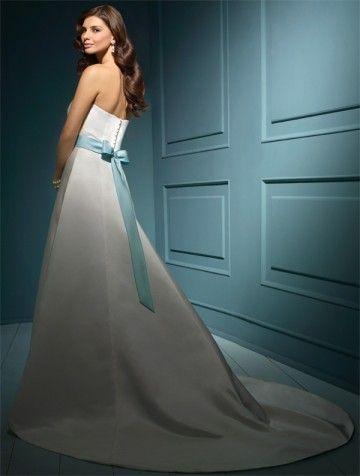 2011 Style A-line Sweetheart  Sleeveless Chapel Train Satin Wedding Dress For Brides