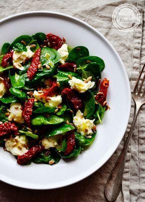 Salatka Szpinak Mozarella Suszone Pomidory Pestki Slonecznika