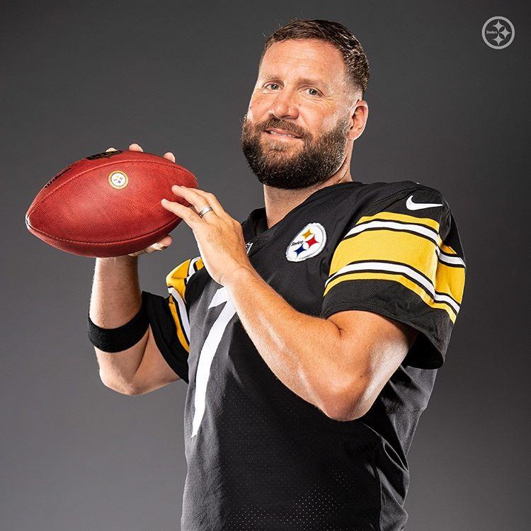 Ben Roethlisberger Pittsburgh Steelers Football Steelers Big Ben Steelers