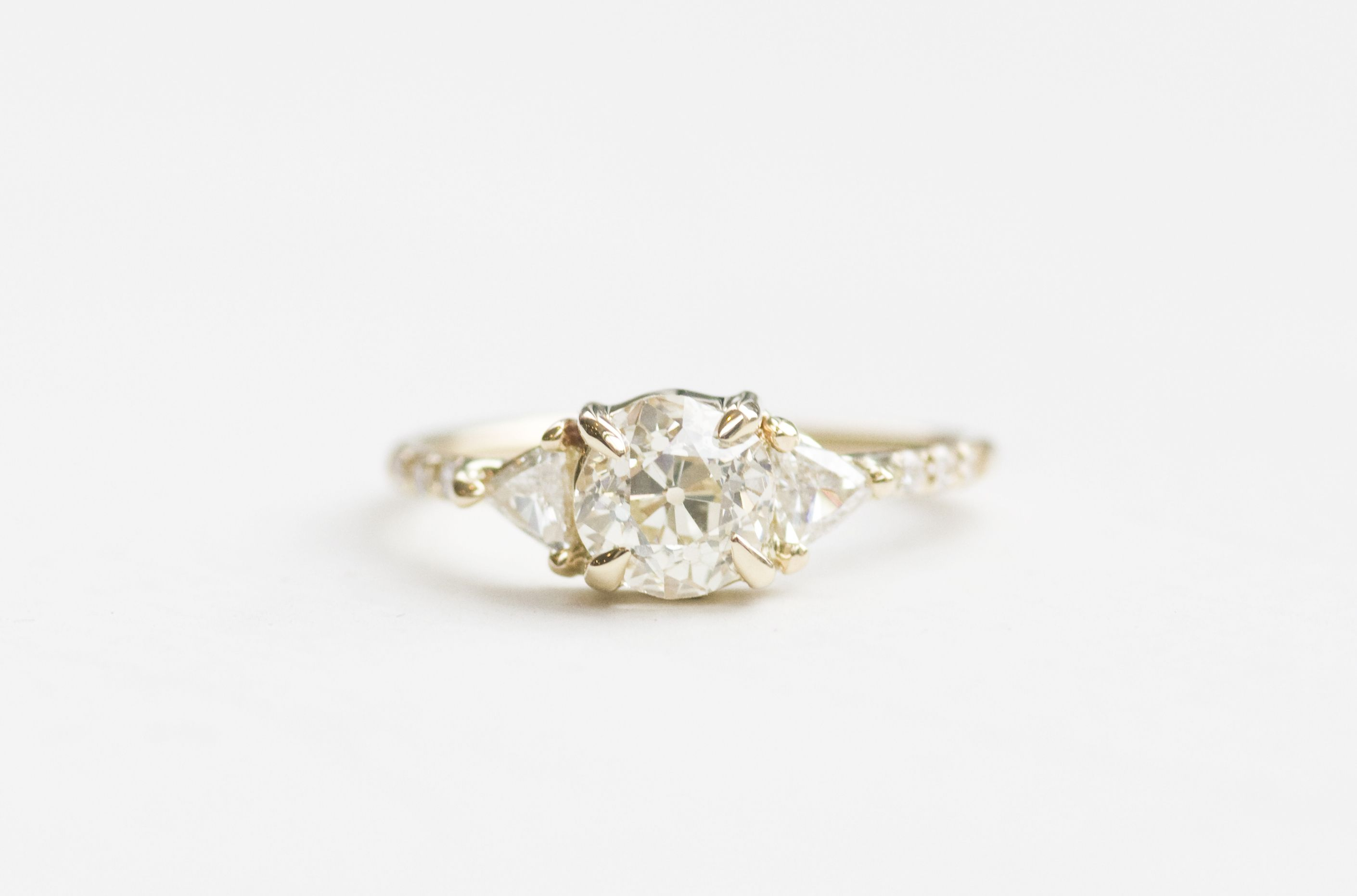 diamond totokaelo triangle rings ring engagement five mociun tt