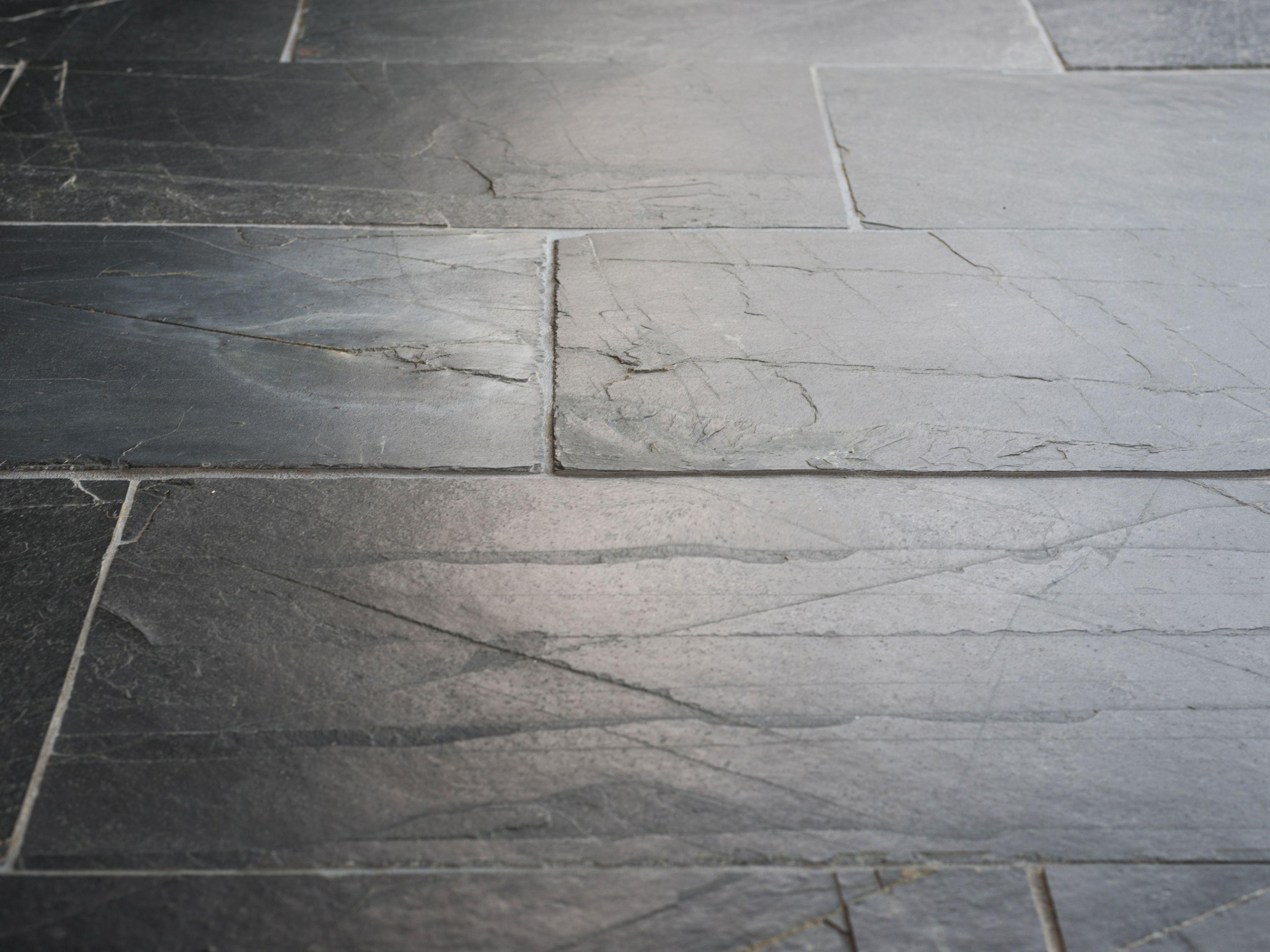 Schiefer-Fliesen Black Rustic - Natursteinhandel jonastone | Home ...