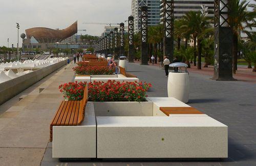 Panchina design in legno e calcestruzzo modulare demetra for Arredo urbano legno