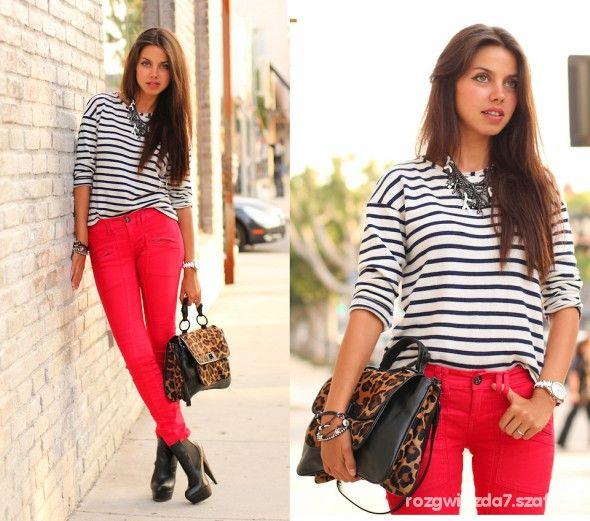 Stylizacje Z Czerwonymi Spodniami Szukaj W Google Red Jeans Stylish Work Outfits Stripy Tops