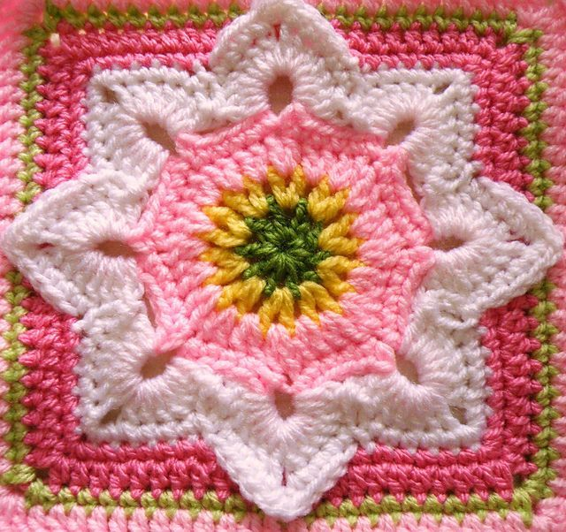 Eight Pointed Flower pattern by Julie Yeager | Manta, Patrones de ...