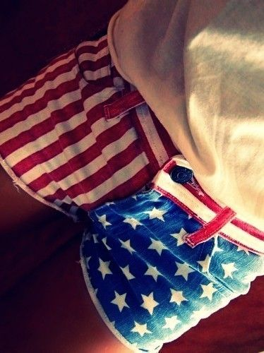 I want shorts like this so bad.