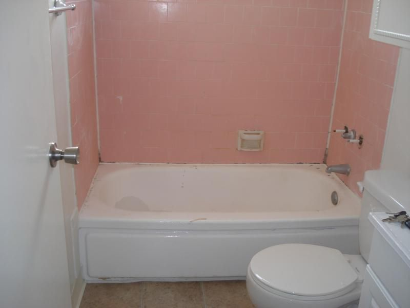 PKB Reglazing : Bathtub & Pink Tile Surround (Before) | Bathtub ...