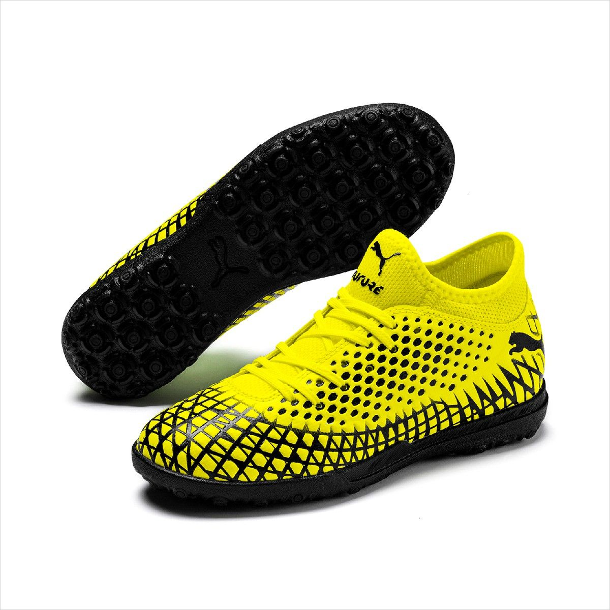 FUTURE 44 TT Junior Artificial Turf Soccer Shoe Yellow AlertBlack2PUMA FUTURE 44 TT Junior Artificial Turf Soccer Shoe Yellow AlertBlack2 George Cleverley  Anthony Pebble...
