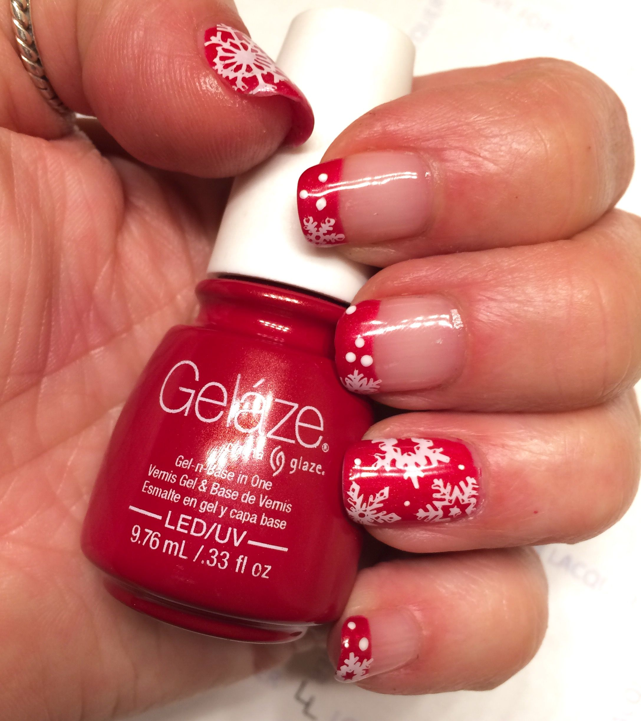 Red snowflake French tip nails | Tina\'s | Pinterest