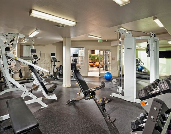 Residents Can Enjoy Our Fully Equipped 24 Hour Fitness Center Who Needs A Gym Membership Lovely Apartments Hollywood Apartment Apartment Communities