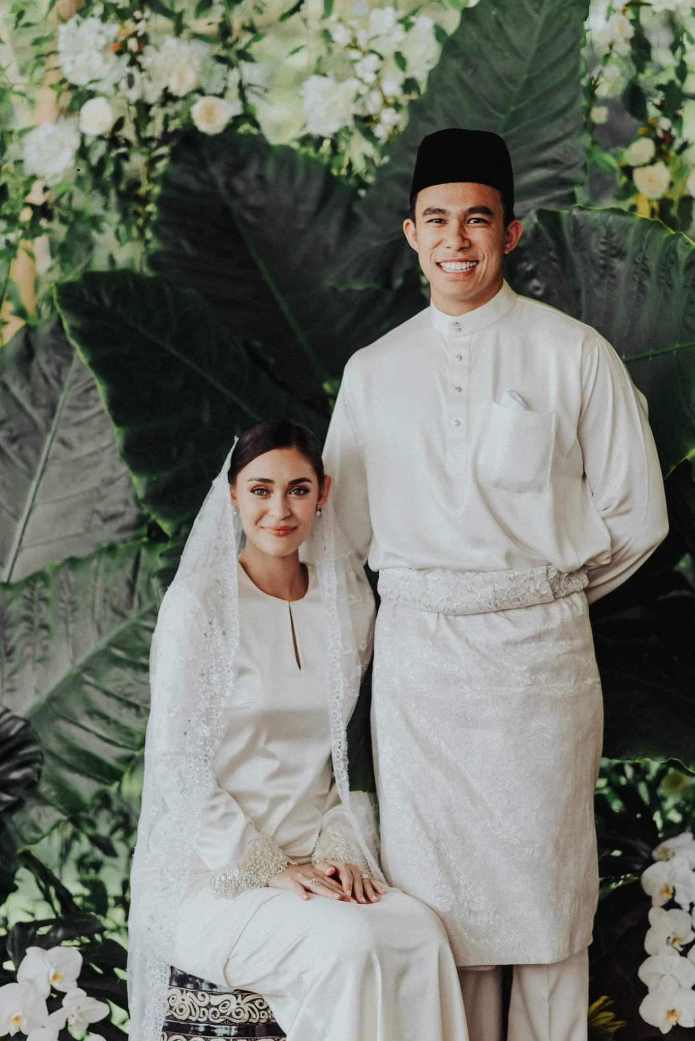 Baju nikah putih gaya minimalist  Nikah outfit, Nikah dress