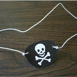 Pirate Eye Patch #diypiratecostumeforkids Pirate Eye Patch #diypiratecostumeforkids