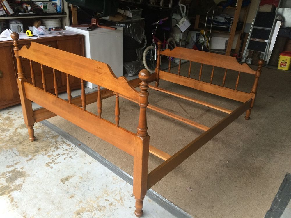 Beautiful Ethan Allen Maple Queen Size 4 Poster Bed Frame L K