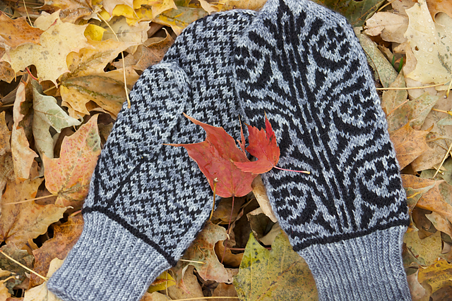 Ravelry: Aldred Mittens pattern by Natalie Servant