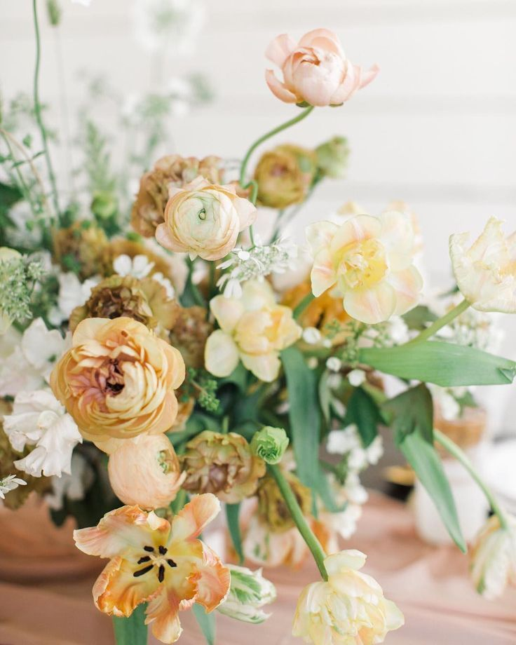 Gorgeous Centerpiece For A Spring Utah Wedding Featuring