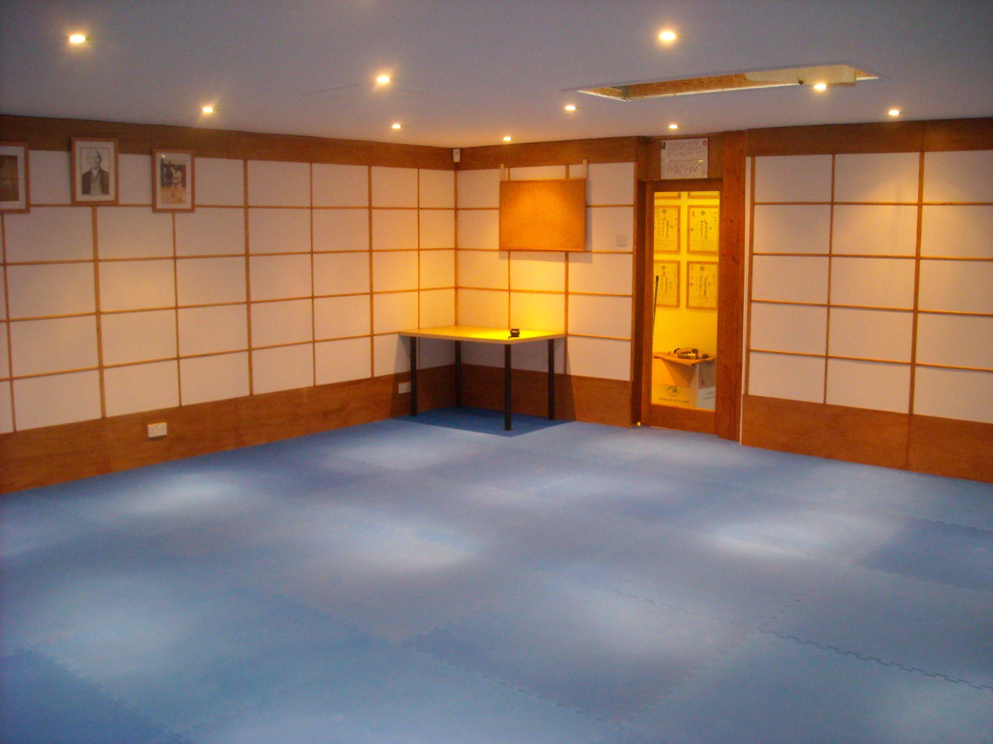Leicester karate club uk very nice i love the lighting for Kendo dojo locator