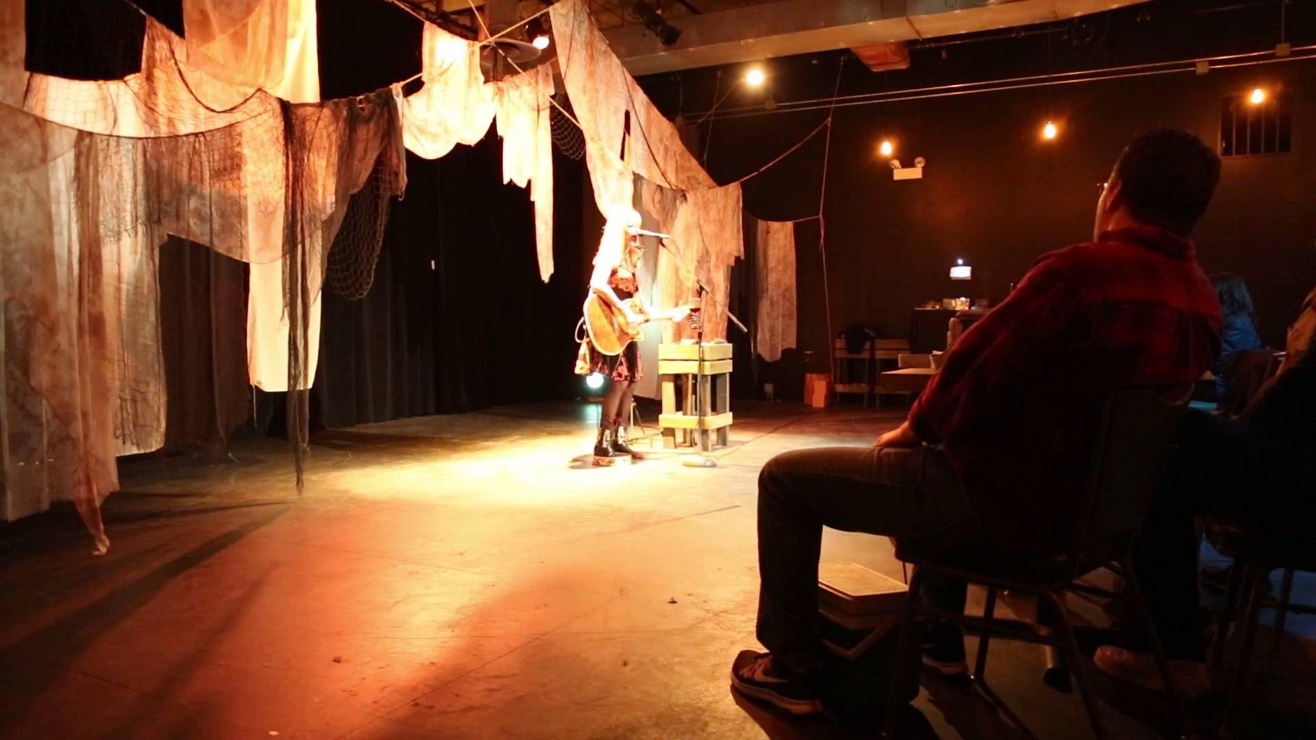 Kim Carson @ the Filament Theatre (4)