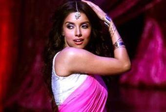 Asin in 'Housefull 2', Maang Tikka, #Saree ~