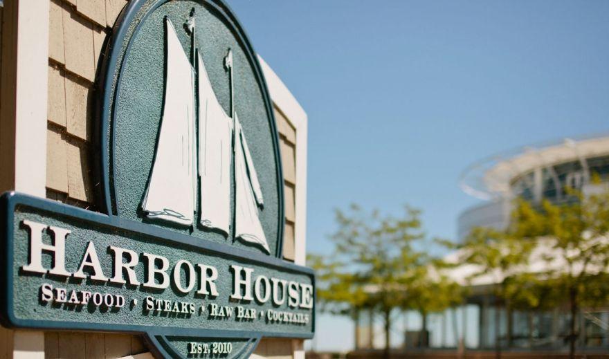 Harbor House Milwaukee S Premier Seafood Restaurant