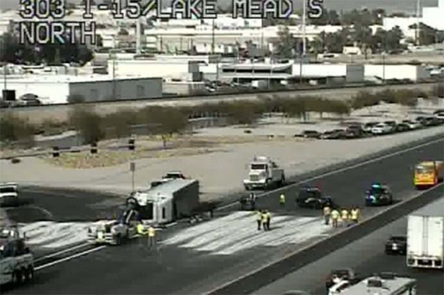 Crash closes I-15 southbound lanes near Lake Mead | local
