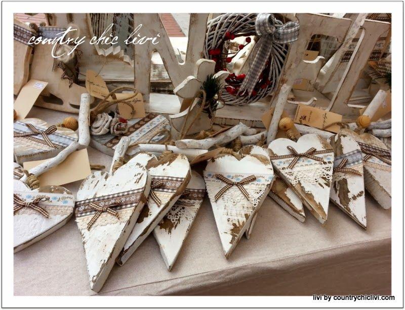 Shabby Chic Natale : Mercatini di natale mercatini atmosfera natale oggetti legno