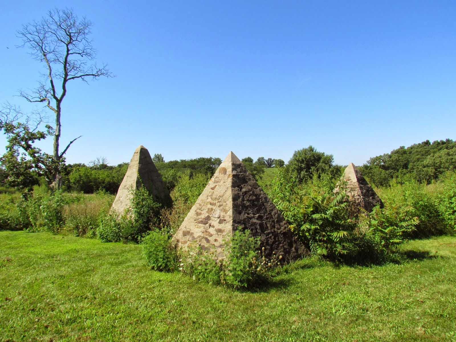 11 Mysterious, Unusual Spots In Iowa You Never Knew Existed