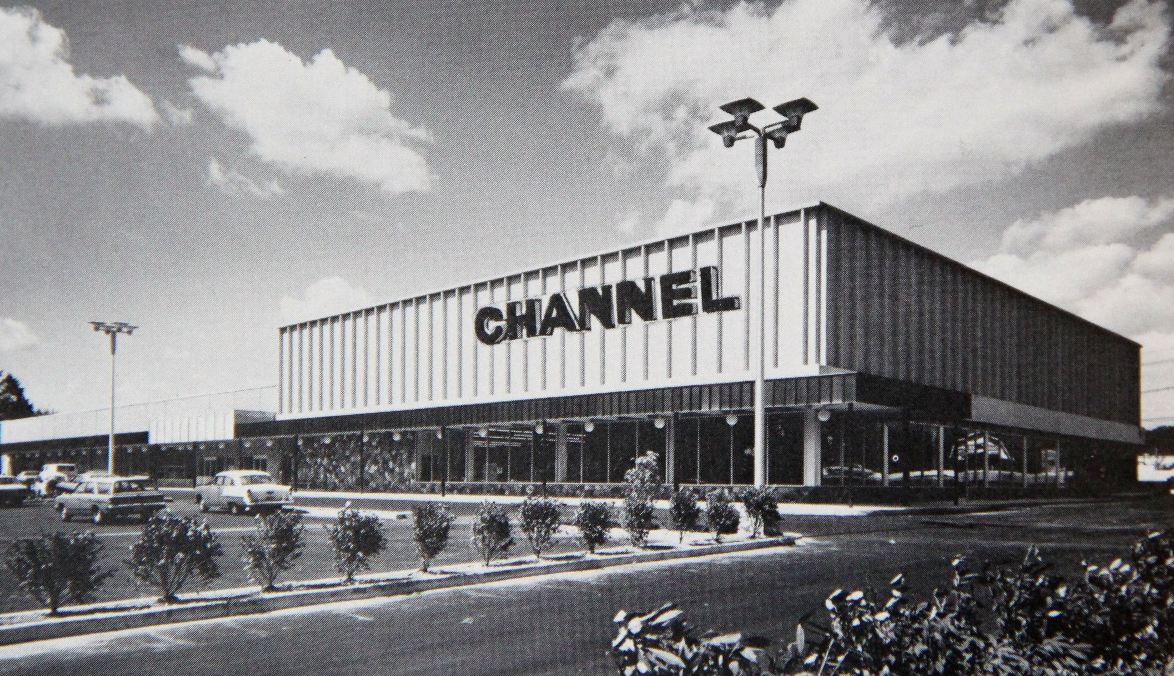 Channel on Route 17 in Paramus NJ 1960's Bergen county