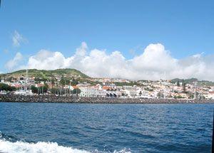 Blick auf Faials Inselhauptstadt Horta (Foto: Eichner-Ramm)