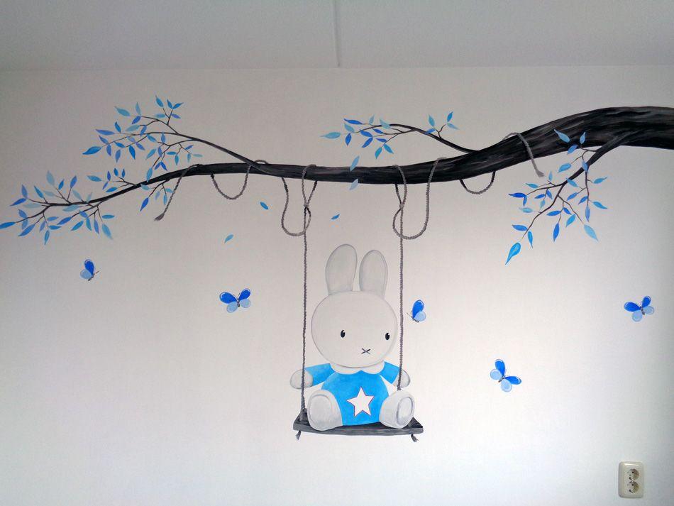 Babykamer Ideeen Behang : Originele nijntje muurschildering babykamer blauw met ster veel