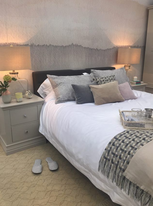 Perfect Dream Rooms: Soft Grey Country Style Bedroom