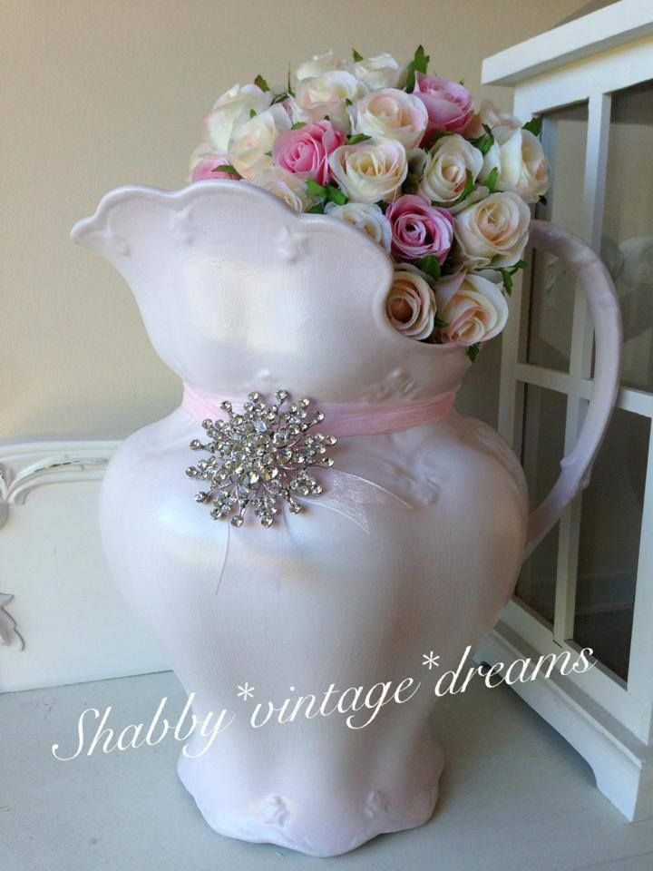 love this pink vase