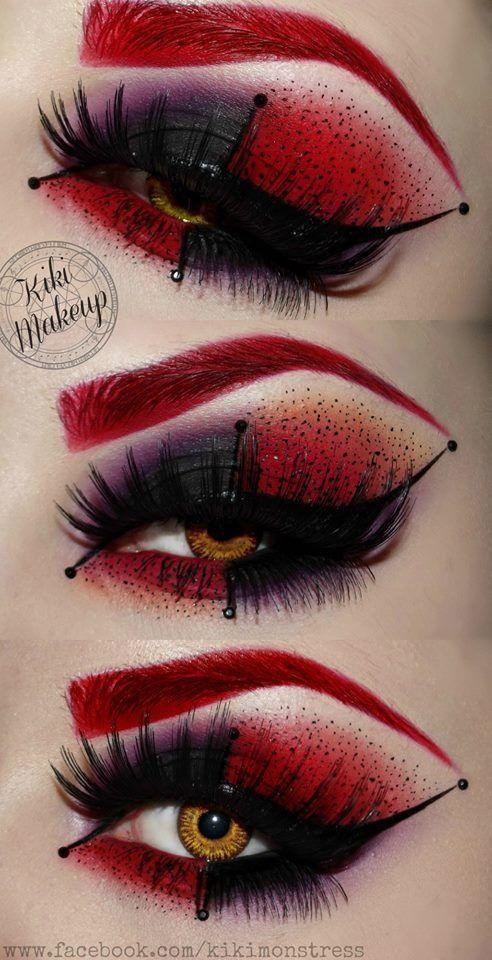 Idee für Karneval: Schwarze künstliche Wimpern mit rot-schwarzem Augen Make-Up