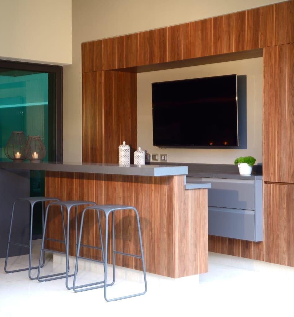 Bar En Area De Terraza De Homify Moderno Madera Acabado En