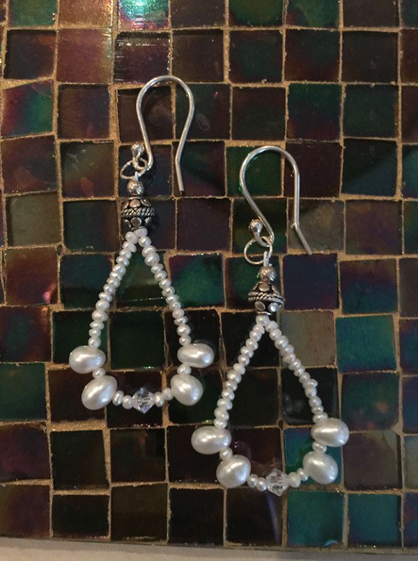 Seed pearls, crystals and top-drilled freshwater pearls