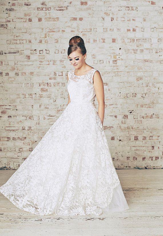 d5df59d128 Our Top 10 Bridal Boutiques On Etsy Unique Wedding Gowns