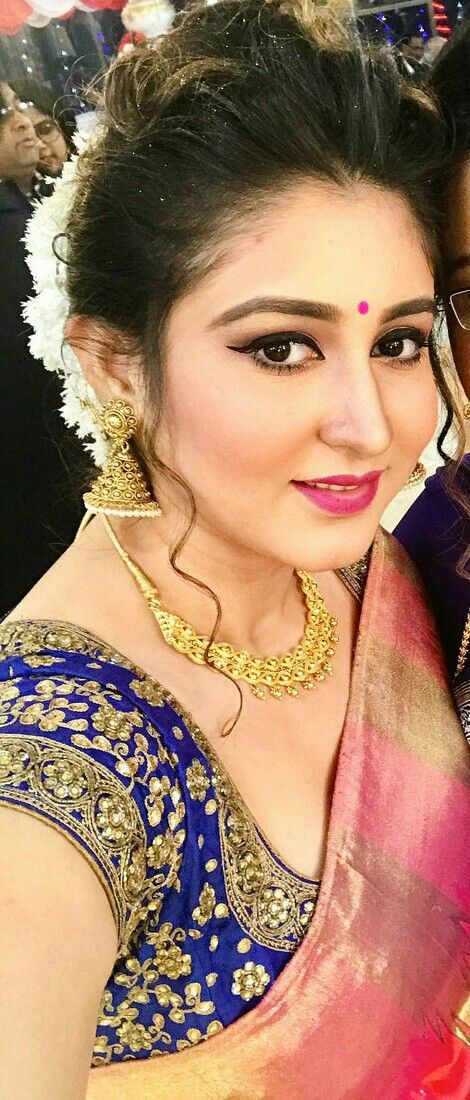 Bengali Wedding Guest Luk