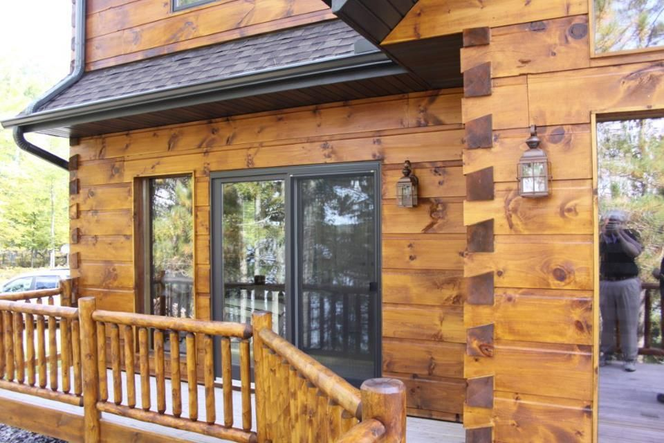 See What Your Log Home Would Look Like With Different Colors Of Stains Chinking Decks Trim Log Homes Exterior Log Cabin Exterior Log Homes